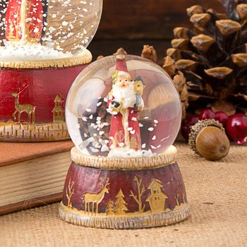 Traditional Santa Snow Globe