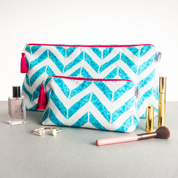 Chevron Large Wash Bag