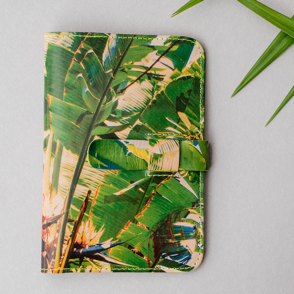 Magpie Accessories Palms Leather Passport Case