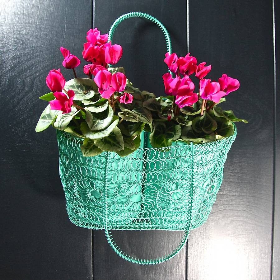 Crochet Wire Bags : homepage > LONDON GARDEN TRADING > WIRE CROCHET SHOPPING BAG PLANTER