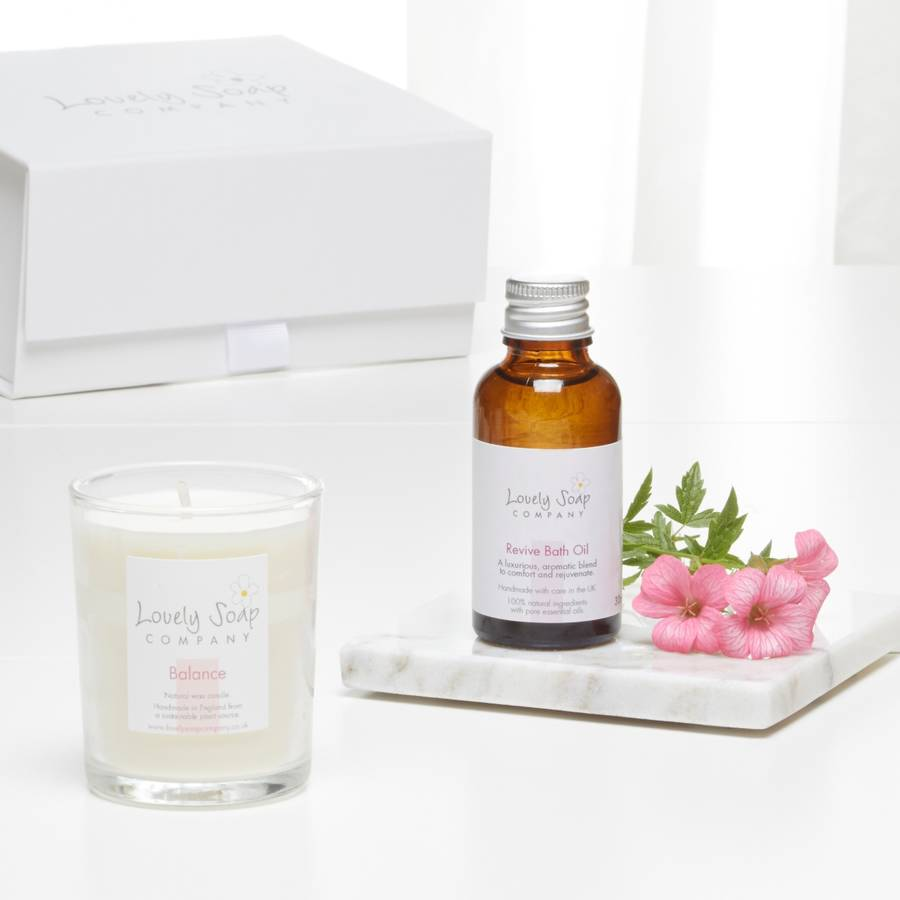 Indulgence Mini pamper gift set in Revive scent