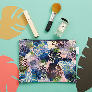 A Flora Cosmetic Bag - make-up & wash bags