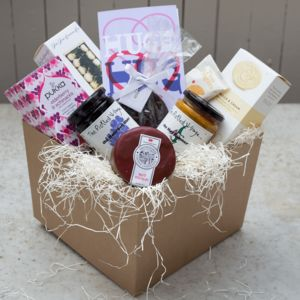 'Huge Hug' Luxury Hamper