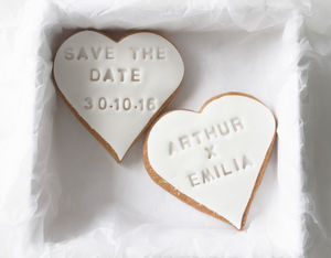 Set Of 25 Save The Date Heart Cookies - edible favours