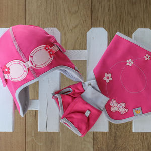 Girls's Pilot Hat, Bib And Gloves Set - babies' hats