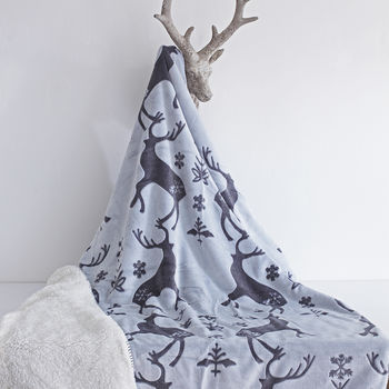 Christmas Stag Cosy Throw