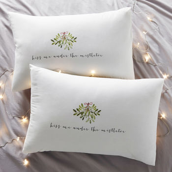 Kiss Me Couples Christmas Pillowcases