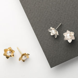 Daffodil Pearl Studs - earrings