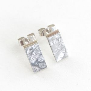 Petals Embossed Tiny Rectangle Ear Stud - earrings