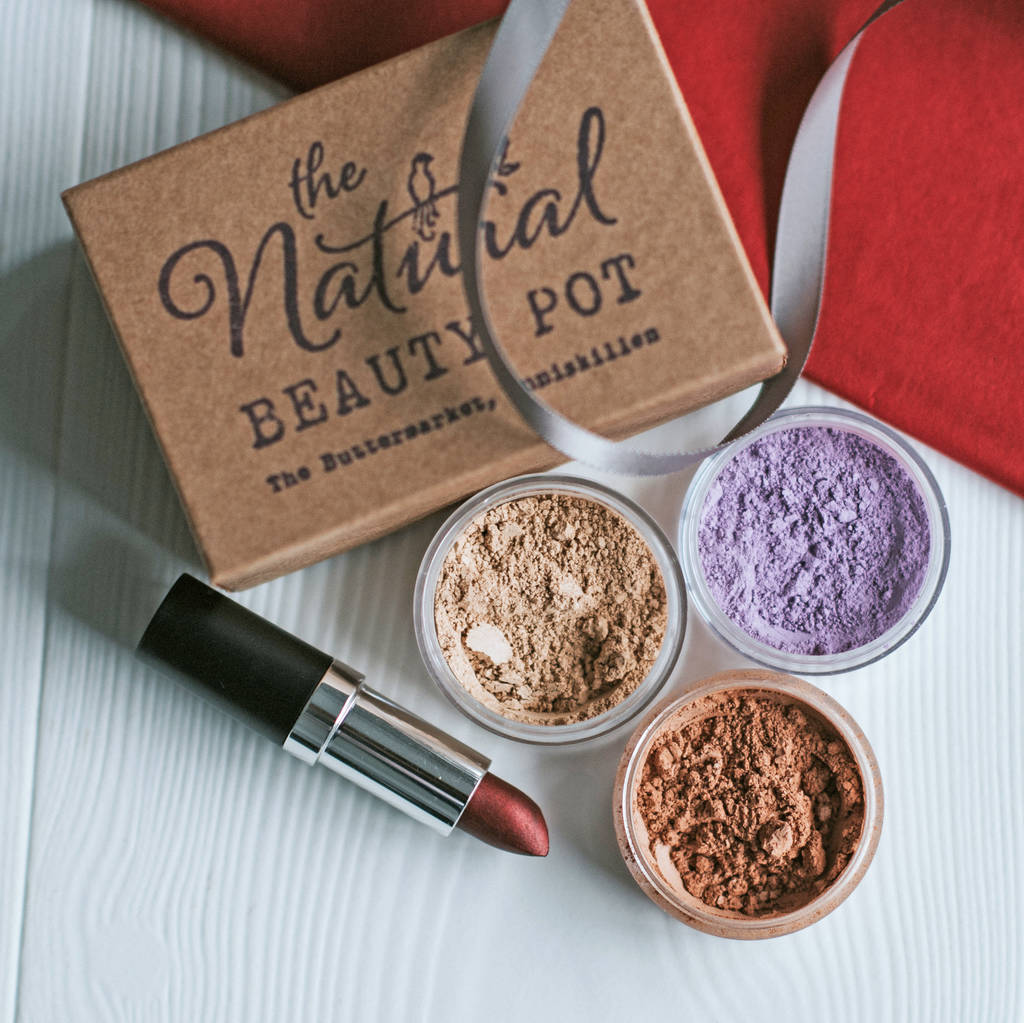 How To Make Your Own Natural Mineral Makeup