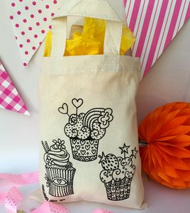 Cupcakes Colour In Party Bag - party bags and ideas