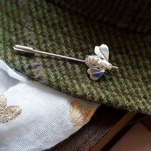 Bee Pin, Bee Lapel Pin, Bee Tie Pin, Bee Jewellery - tie pins & clips