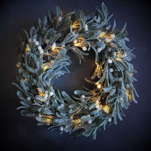 Light Up Mistletoe Wreath - black friday sale