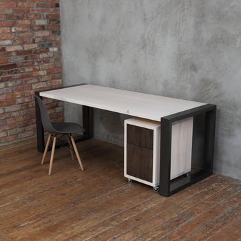 Square Shaped Legs Office Desk