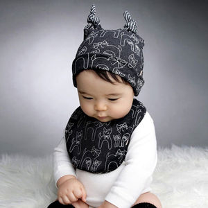 Little Kitten Unisex Baby Hat And Bib Set