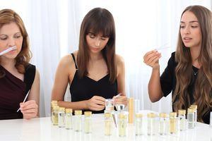 Design Your Own Perfume Gold Fragrance Experience - art  & craft experiences
