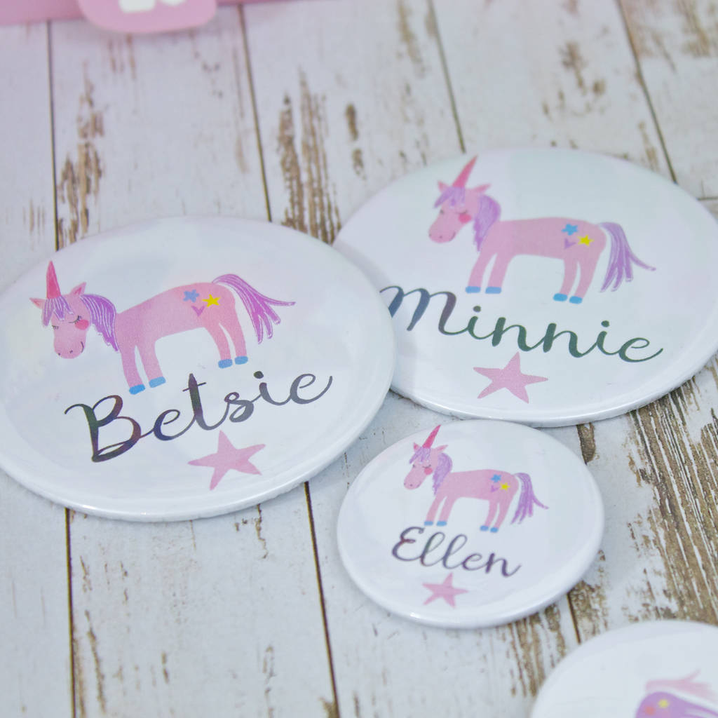 PERSONALISED FROZEN BIRTHDAY BADGE ANY NAME AND AGE BRAND NEW SIZE 77mm