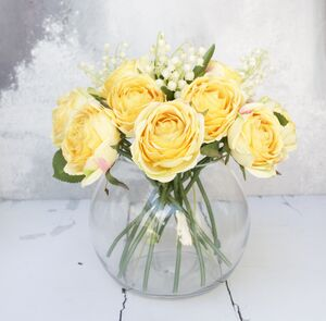 Luxury Lemon Rose Bouquet With Glass Vase