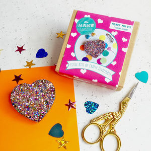 Glitter Heart Badge Making Kit