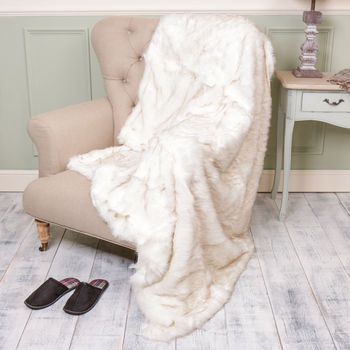 Arctic Fox Super Snuggle Faux Fur Throw