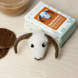 Shetland Sheep Brooch Needle Felting Kit - sewing kits