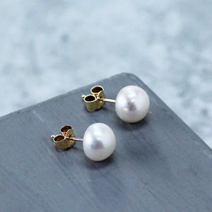 Gold Pearl Stud Earrings - earrings