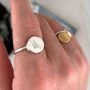 Organic Shape Circle Signet Ring With Art Drawing