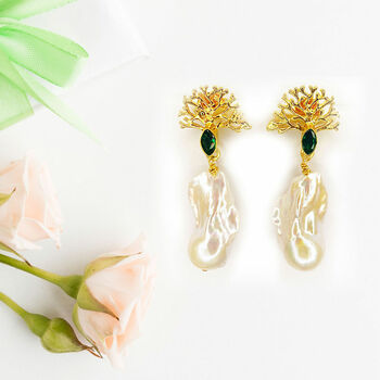Green Quartz And Baroque Pearl Organic Shape Earrings
