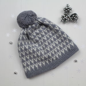 Arrow Knitted Pom Pom Hat In Seal And White