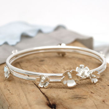 Silver Flower Stacking Bangle Set