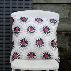 Large Square Pink Daisy Cushion