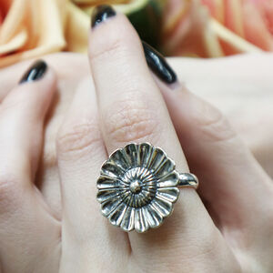 Daisy Large Silver Ring