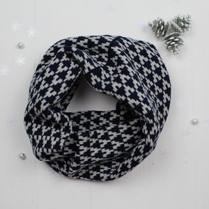 Arrow Knitted Snood/Cowl