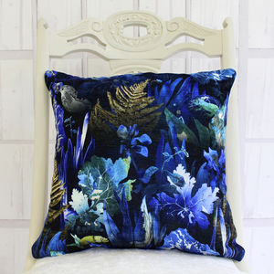 Dark Botanical Leaves Cushion