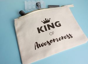 King Of Awesomeness Toiletry Bag - make-up & wash bags