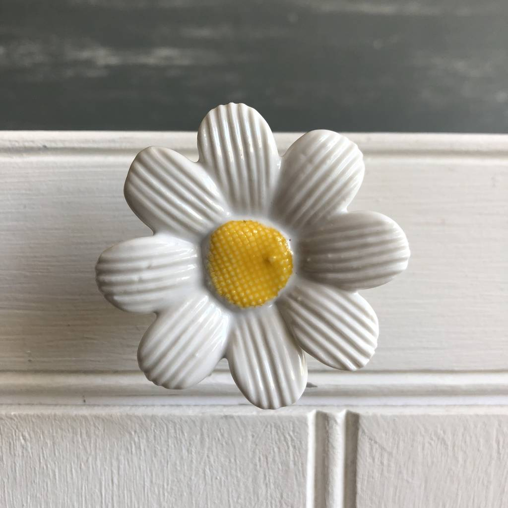 Daisy Drawer Knob