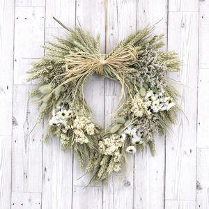 Christmas White Dried Flower Heart Wreath