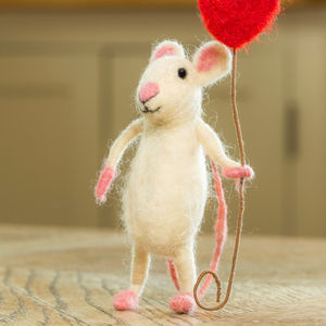 Happy Of Heart Balloon Mouse