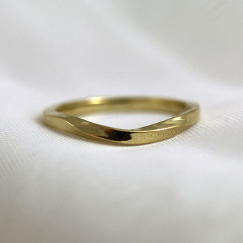 2mm Square Curved Twist 18ct Gold 'Loskin' Ring
