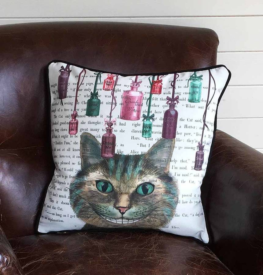 FABFUNKY HOME DECOR CHESHIRE CAT ALICE IN WONDERLAND CUSHION