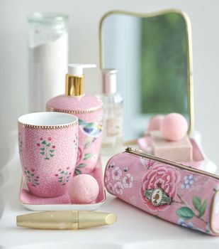 Pip Studio Set Of Three Pink Good Morning Bathroom Set