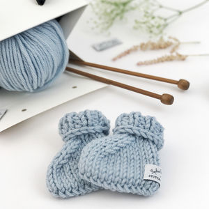 Knit Your Own Baby Sophie La Girafe: Mitts Booties Kit