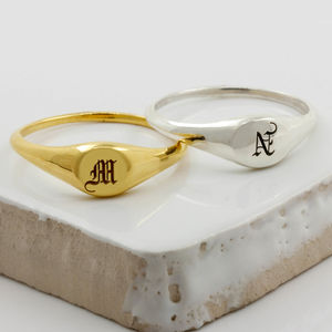 Mini Initial Signet Ring Silver/Gold