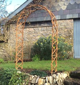 Hazel Criss Cross Arch - garden furniture