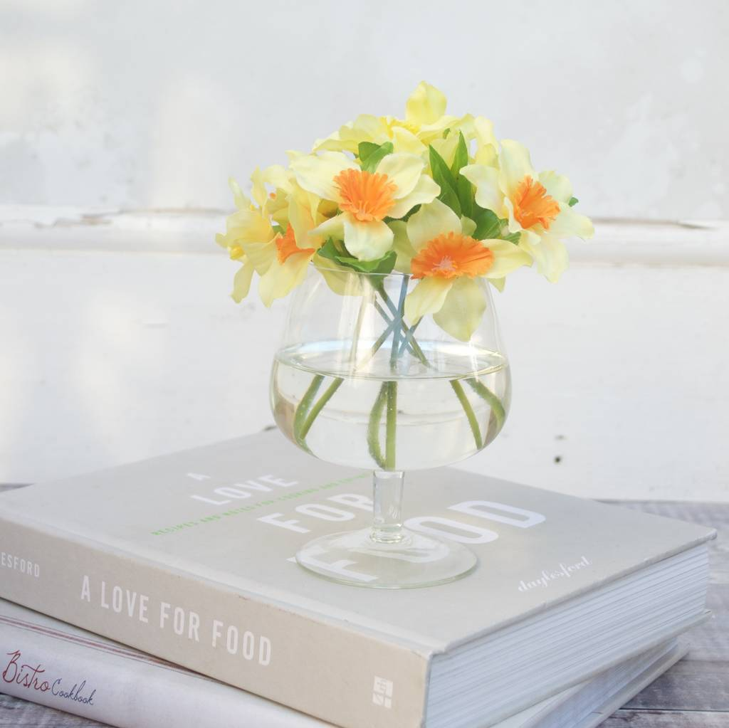 Artificial daffodils in glass vase by abigail bryans designs artificial daffodils in glass vase reviewsmspy