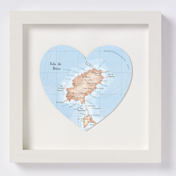 Ibiza map heart print white frame