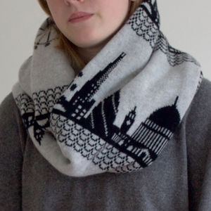 London Skyline Lambswool Circular Scarf