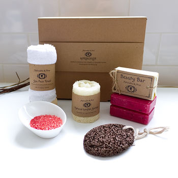 Red Vine Pampering Handmade Bath Gift Set