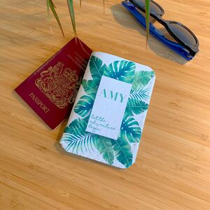 Passport Holder Personalised Green Leaves