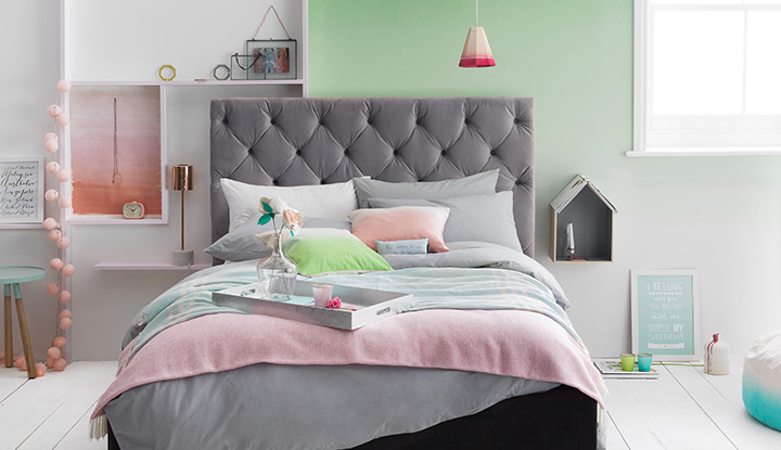 Pastel bedroom for Pastel diy room decor